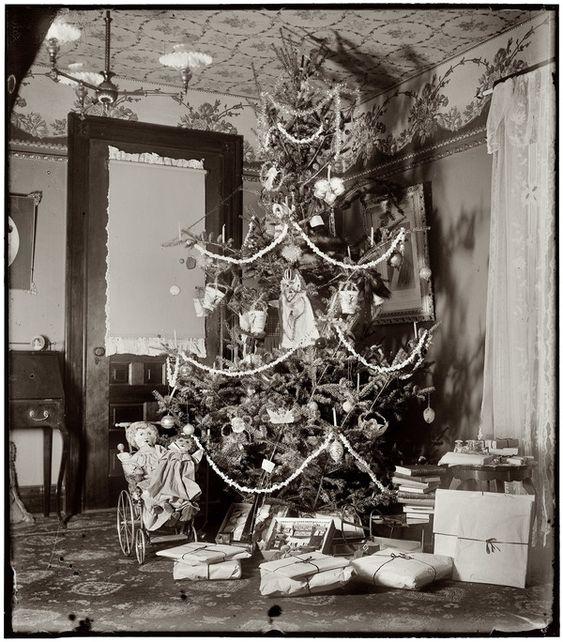 Karácsonyfák az elmúlt 100 évben